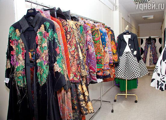 Эти костюмы, куртки и платья дизайнер не продаст ни за какие деньги