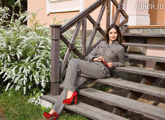 Оксана Федорова повела наступление на килограммы диетой, фитнесом и массажем