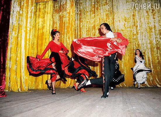 Моя страстная преданность танцу не иссякла… Появилось собственное шоу фламенко