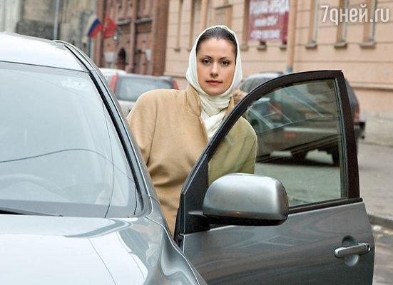 В новом сезоне героиня Анны Ковальчук сядет за руль новенькой иномарки