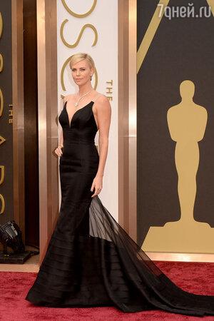 Шарлиз Терон на церемонии «Оскар-2014»