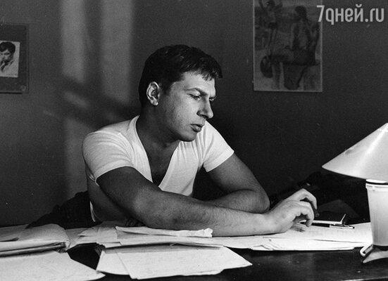 Игорь Кваша в  1955 году окончил Школу-студию МХАТ