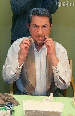 Игорь Кваша в своей гримерной. Театр «Современник», 2006 год
