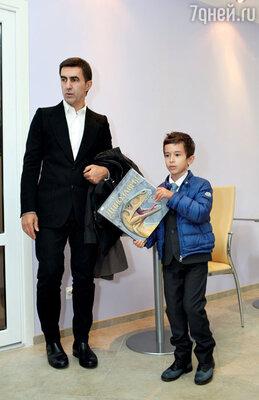 С младшим сыном-первоклассником Даней