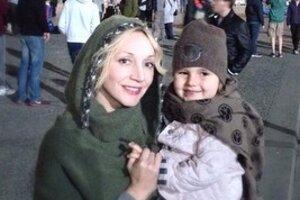 Кристина Орбакайте с дочкой не испугались немецких холодов