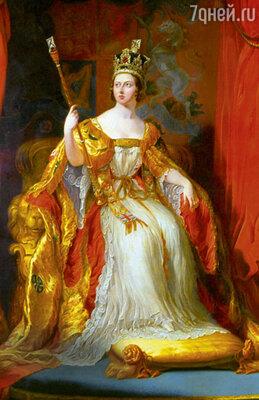 И знаменитая крестильная рубашка, украшенная хонитонскими кружевами, иЛилейная купель были созданы по приказу королевы Виктории