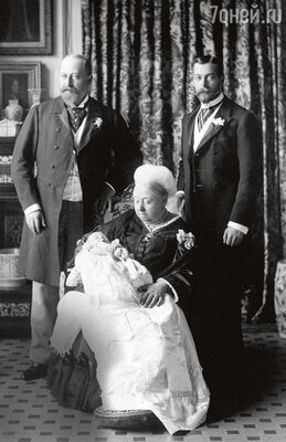 Королева Виктория стала крестной мамой своего правнука, принца Эдварда