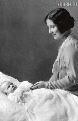 Принцесса Маргарет недоставила вовремя крещения столько беспокойства королеве-матери, как ее старшая сестра, ныне царствующая королева Елизавета II