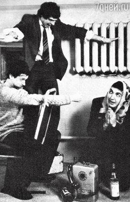 Сергей Земцов, Григорий Мануков и Игорь Золотовицкий в культовом спектакле «Чинзано». 1989 г.