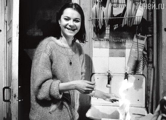 Вера Харыбина, тогда еще актриса Театра сатиры. 1988 г.