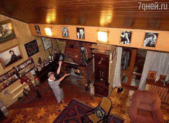 «Чувствую, что папа постоянно рядом со мной, храню дома все его вещи. Отправляясь на важную встречу, я могу надеть папин свитер как талисман»