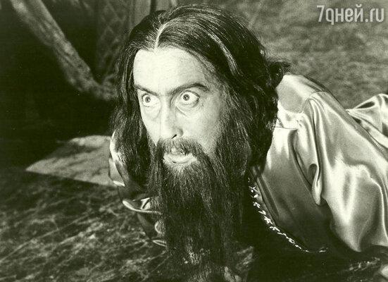 Кристофер Ли в фильме «Распутин — сумасшедший монах». 1967 год