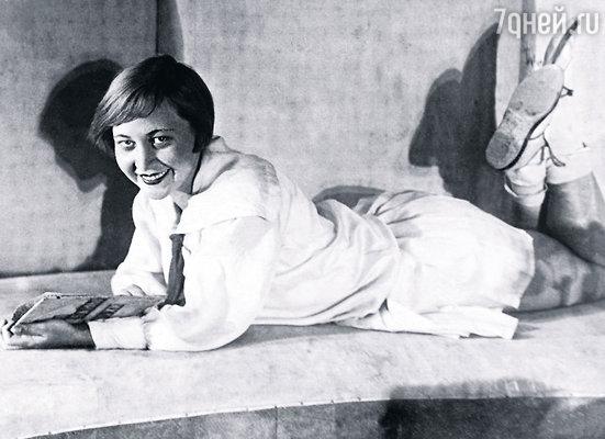 Мою бабушку, Ольгу Пенчковскую, в юности называли Чапай за отчаянную и страстную натуру