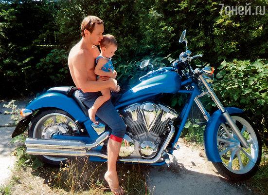 Ваня с нашим сыном Макаром