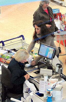 Герцогиня Кембриджская сама ходит в супермаркет за продуктами, какобычная домохозяйка