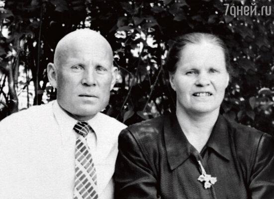 Родители — Василий Павлович и Александра Ивановна. Свердловск, 1958 г.