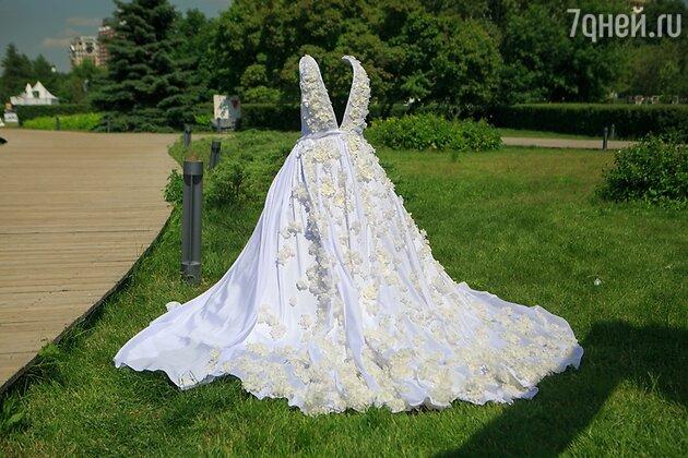 Платье с живыми цветами