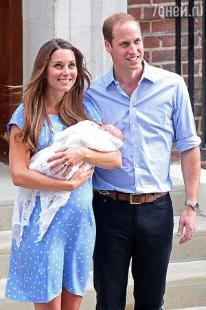 Кейт Миддлтон и Принц Уильям с новорожденным сыном Джоржем