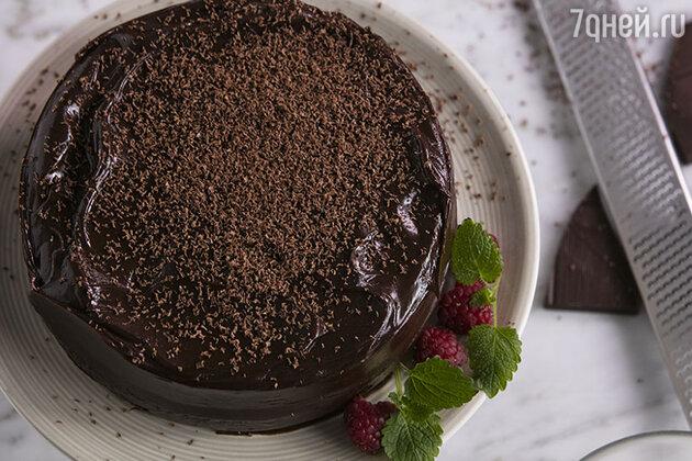 Шоколадно-бисквитный торт: рецепт от бренд-шефа Дмитрия Снурницина