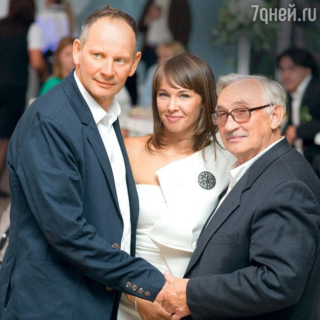 Даниил и Светлана Спиваковские с отцом Дмитрия Марьянова Юрием Георгиевичем