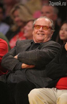 36-е — 75-летняя голливудская звезда Джек Николсон