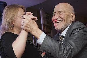 ВИДЕО: 79-летний Николай Дроздов пустился в пляс
