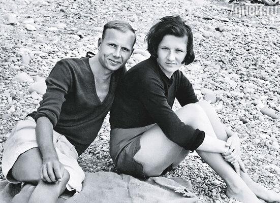 Мой самый главный выигрыш в жизни — муж Слава... (Лена с супругом на отдыхе, 1969 г.)