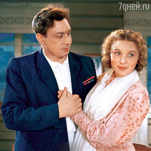 Вера Васильева с Владимиром Ушаковым в фильме «Свадьба с приданым». 1953 г.