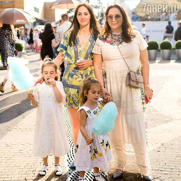 Алла Вербер и ее внучки