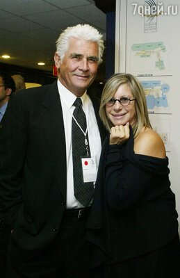 Отец Джоша долгие годы будет покорно носить титул «мистер Стрейзанд». Джеймс Бролин с женой Барброй
