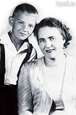 Юрий Визбор с мамой