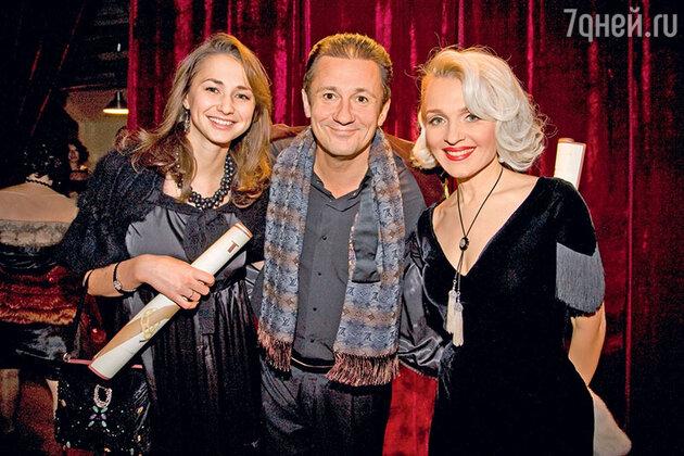 Екатерина Моисеева с  Олегом Меньшиковым и его женой Анастасией