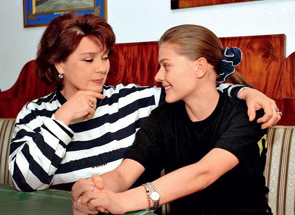 «Мама всегда меня поддерживает: «Моей дочери можно все! Я ей ничего не запрещаю!»