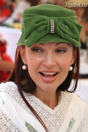 Эвелина Бледанс на скачках «Гран-При Радио Monte Carlo» в 2007 году