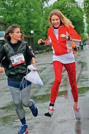 Наталья Водянова на  благотворительном забеге