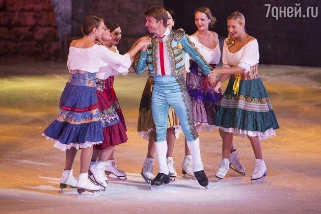 Алексей Ягудин в роли Тореадора. Сцена из мюзикла