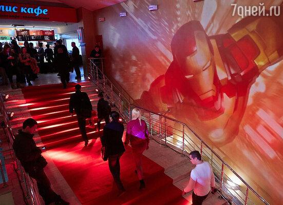В московском кинотеатре «Октябрь» состоялась долгожданная премьера фильма режиссера Шейна Блэка «Железный человек-3»