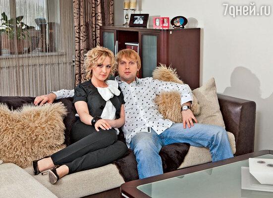 Сергей Светлаков: «Я рад, что развелся, потому что из одной недостаточно наполненной любовью семьи возникло две счастливых. Ведь Юля тоже нашла свою любовь» (Сергей Светлаков с бывшей женой Юлией)