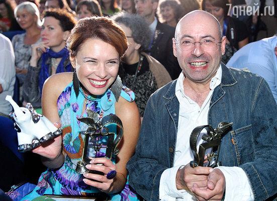 Главный приз в номинации «Лучший игровой фильм» получила картина «Шопинг-тур» режиссера Михаила Брашинского, награда за лучшую женскую роль досталась актрисе Татьяне Галгановой («Шопинг-тур»)