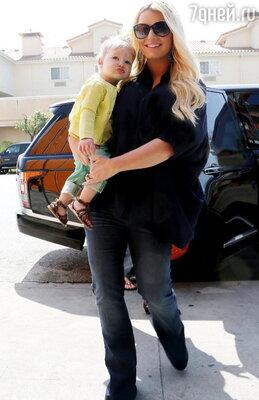 Джессика Симпсон с дочкой Максвелл Дрю