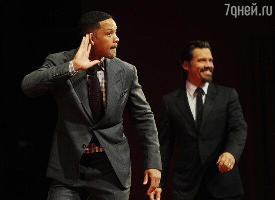 Уилл Смит и Джош Бролин на премьере в кинотеатре «Октябрь»