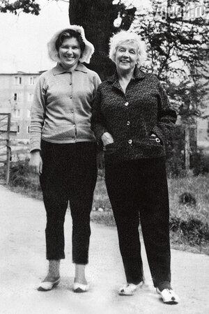 «Мы с Мариной не раз вместе отдыхали вПицунде. Там у нас было любимое место»