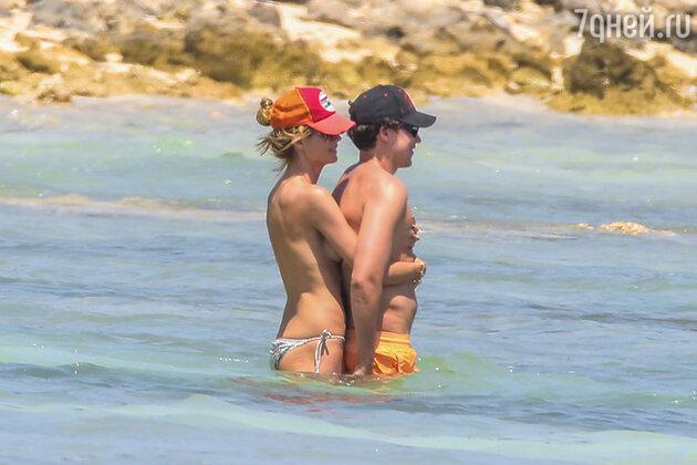 Хайди Клум и Вито Шнабель на пляже в Мексике