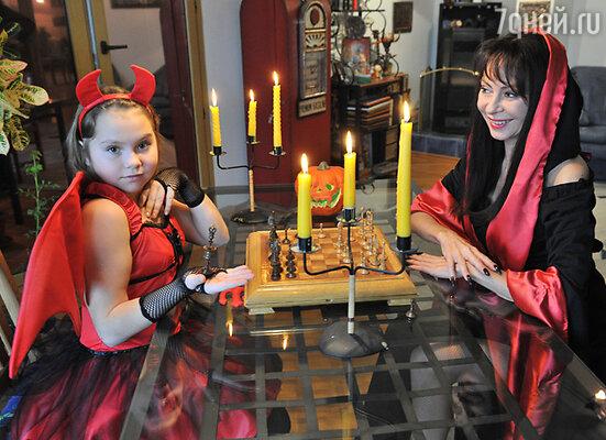Марина Хлебникова увлекается мистикой и постоянно носит талисман от сглаза