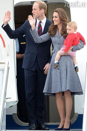 Герцог и герцогиня Кембриджские с сыном принцем Джорджем