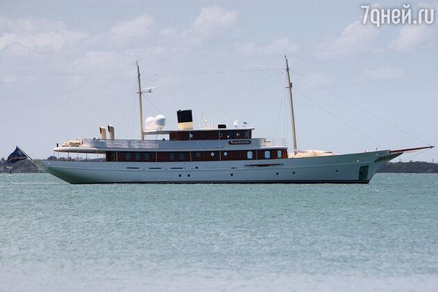 Яхта Vajoliroja, которую Деппу пришлось продать