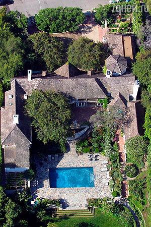 Дом Брэда Питта и Дженнифер Энистон на Голливудских холмах