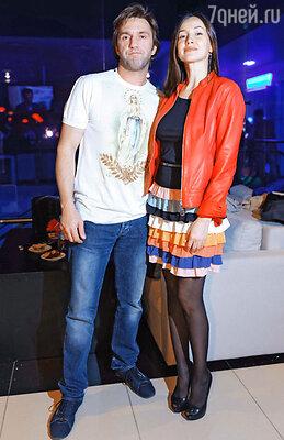 Владимир Вдовиченков с женой