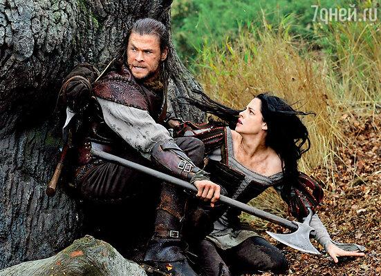 «Белоснежка и охотник» стал очередным суперхитом с участием Криса Хемсворта.  На фото: с Кристин Стюарт, 2012 г.