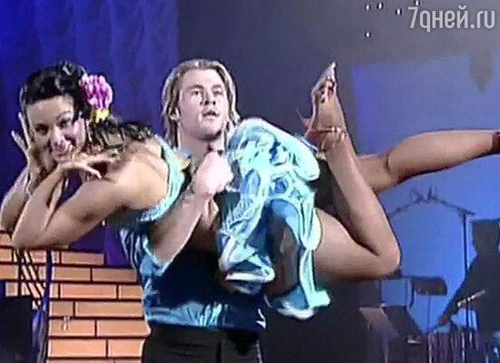 Со своей партнершей и профессиональной танцовщицей Эбби Росс Крис не позволил себе ничего лишнего